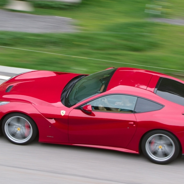 Social52.ch Product Photography - Project Ferrari F12 Test Drive for Asphalte.ch